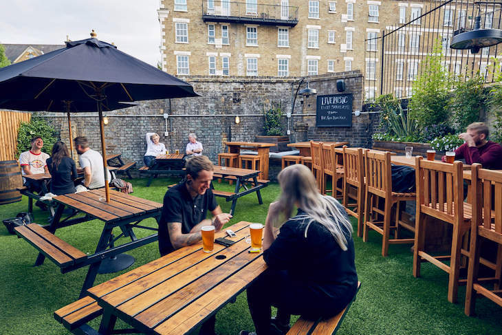 Looking for a London pub garden? Try out the Bethnal Green Tavern