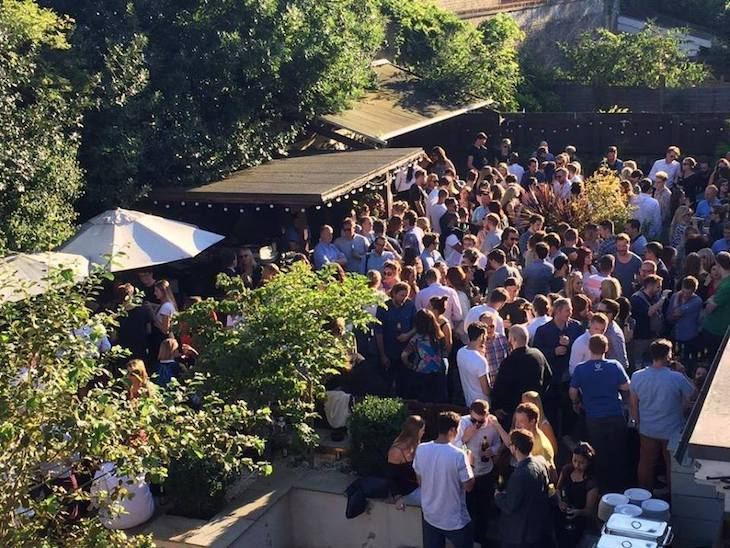 Visit The Country Arms, Balham for a top notch beer garden in London