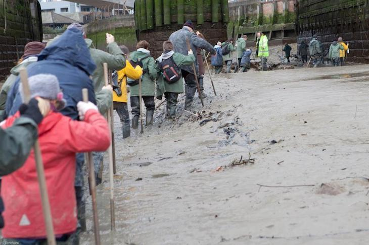 Enjoy an unusual day out in London with the kids, mudlarking courtesy of Creekside Discovery Centre
