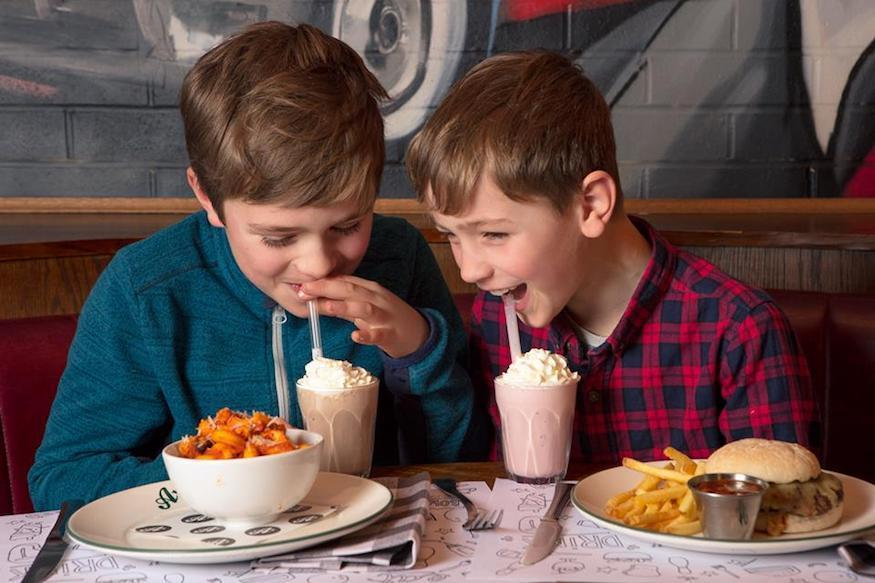 Kids' menus and family friendly dining in London: All Star Lanes