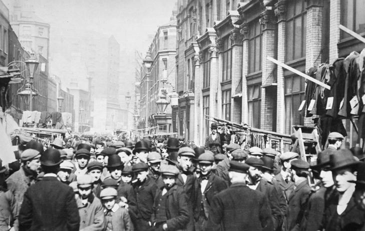 Petticoat Lane in the 1920s