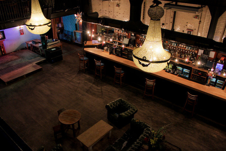 Unusual bars in London: Tooting Tram and Social
