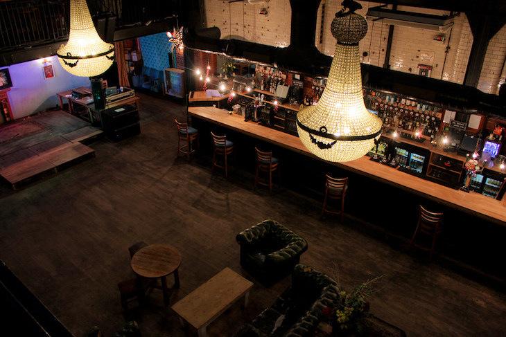 Unusual bars in London: Tooting Tram and Social