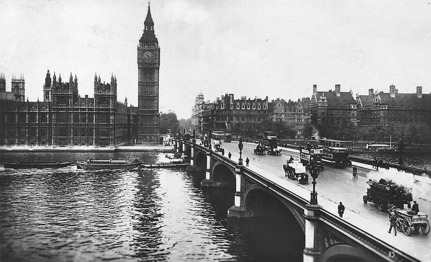 Westminster Bridge in 1928