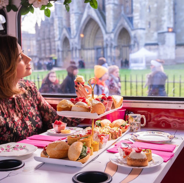 Brigit's Bakery afternoon tea bus tour going past Westminster Abbey