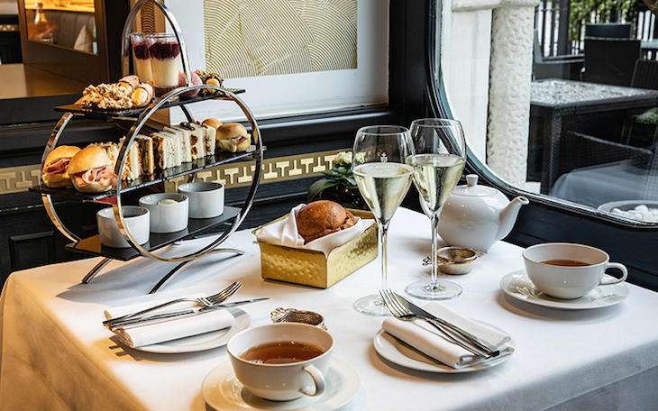 Italian afternoon tea at Brunello bar and restaurant at Baglioni hotel