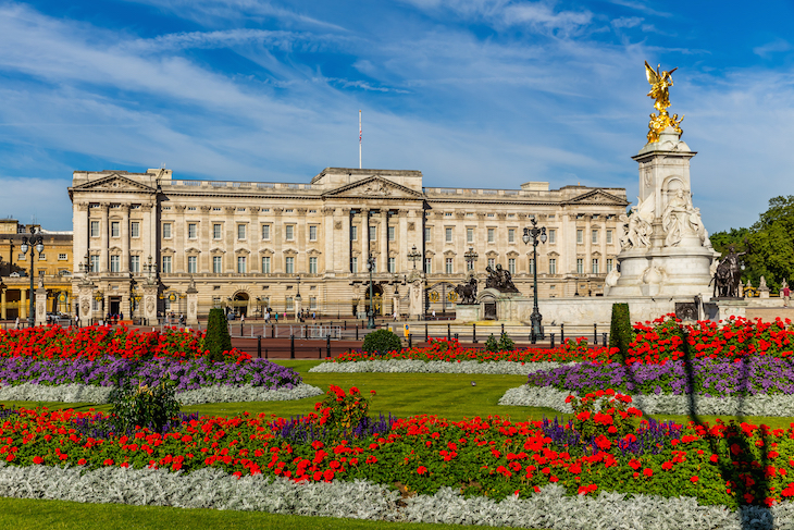 Front of Buckingham Palace with colourful flowers