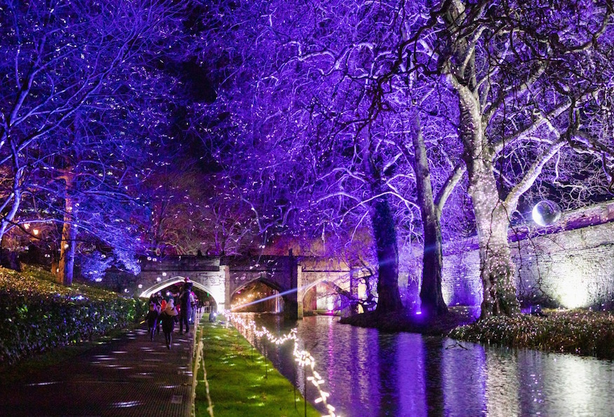 Christmas 2019 Images.Enchanted Eltham Palace Light Festival Returns For