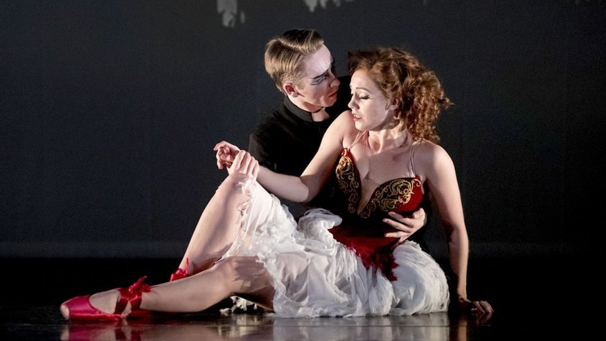 Liam Mower and Ashley Shaw in Matthew Bourne's The Red Shoes. Image: Johan Persson