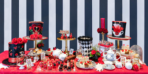 Alice In Wonderland Takes A Dark Turn In This New Afternoon Tea