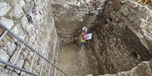 Medieval Cesspit Discovered Beneath The Courtauld Gallery At Somerset House