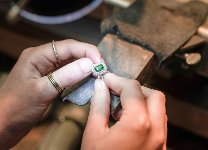 Behind The Counters At Hatton Garden, London's World-Famous Diamond District 6