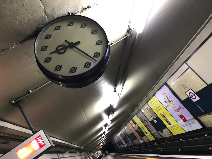 Redbridge roundel clock