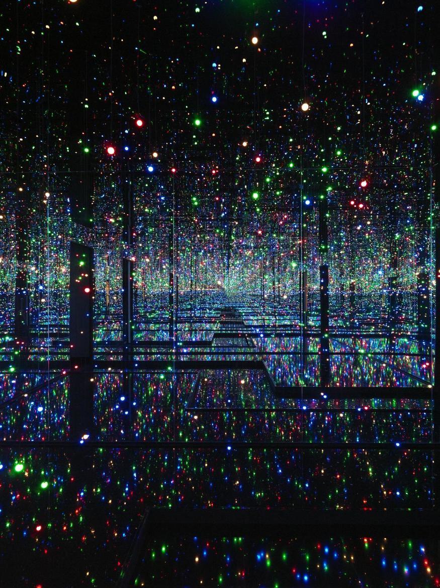 Yayoi Kusama infinity room