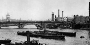 Then And Now: Photos Of The Thames Recreated