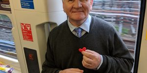 These Amazing People Hand Out Hearts To Lonely People On The Tube