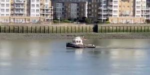 This Tug Boat Just Sailed Down The Thames Blasting 'Always Look On The Bright Side Of Life'