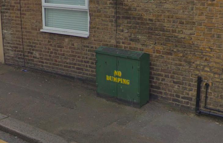 No dumping sign.