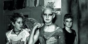 14 Hair-Raising Pics Of Punk London In Its Heyday