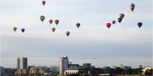 Dozens Of Hot Air Balloons Will (Hopefully) Fly Over Central London This Month
