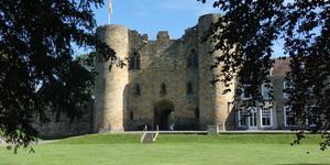 A Castle, A Secret Island And Cruffins: Why You Should Visit Tonbridge