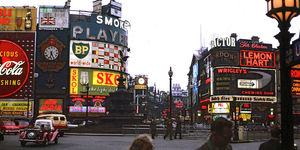 What Were The First Electric Advertisements At Piccadilly Circus?