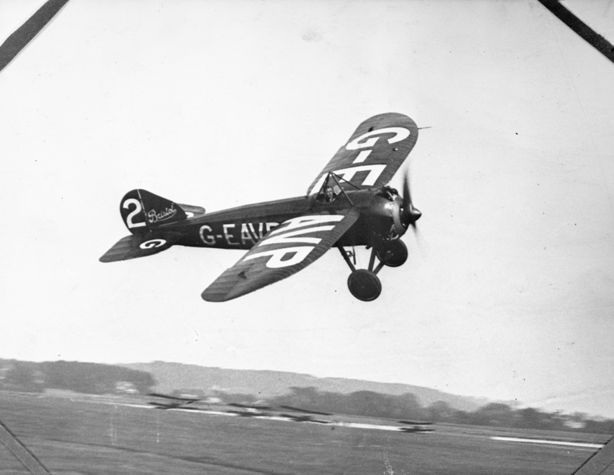 L L Carter winning the handicap section of the 1922 Aerial Derby